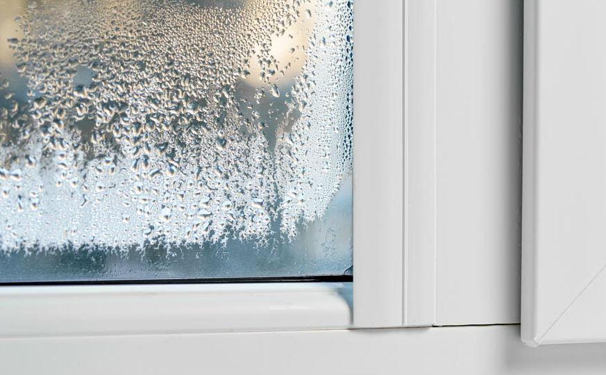 Конденз по прозорците